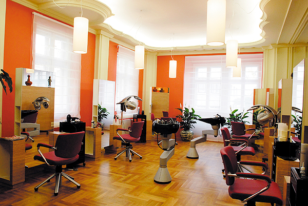 cutting edge salon in hyderabad best hair salon in