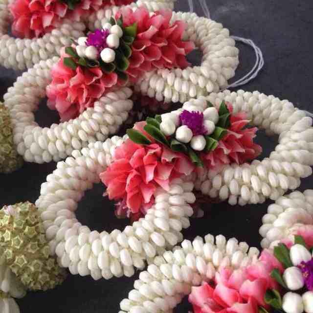 Kwanaubol flower and wedding Organizer