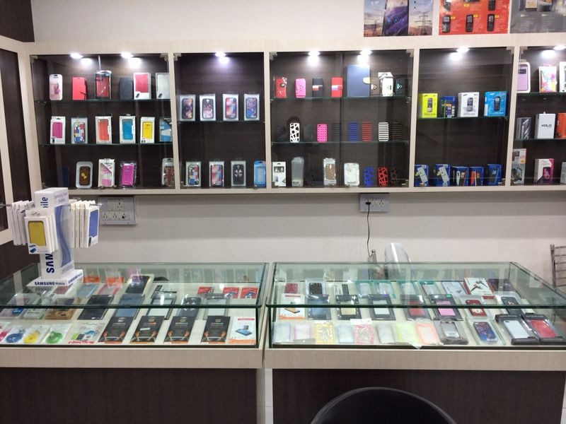 Phones n more