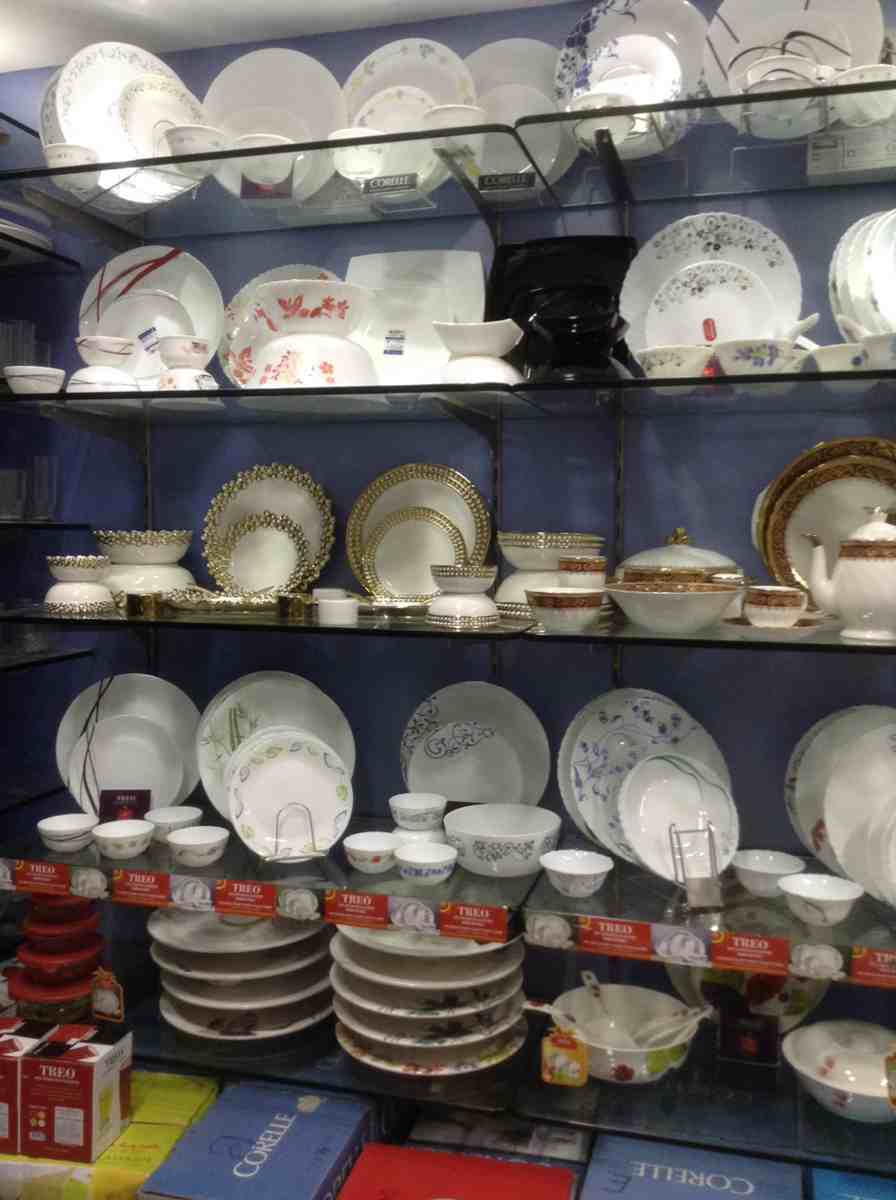 M dinnerware & Decor