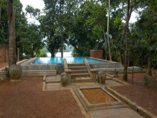 Madu Ganga Villa