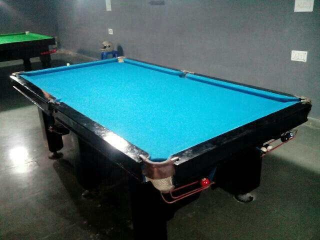 Pool n Snooker table