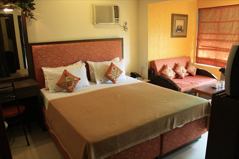 Hotel Highway Residency