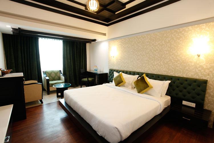 Hotel Saffron Leaf