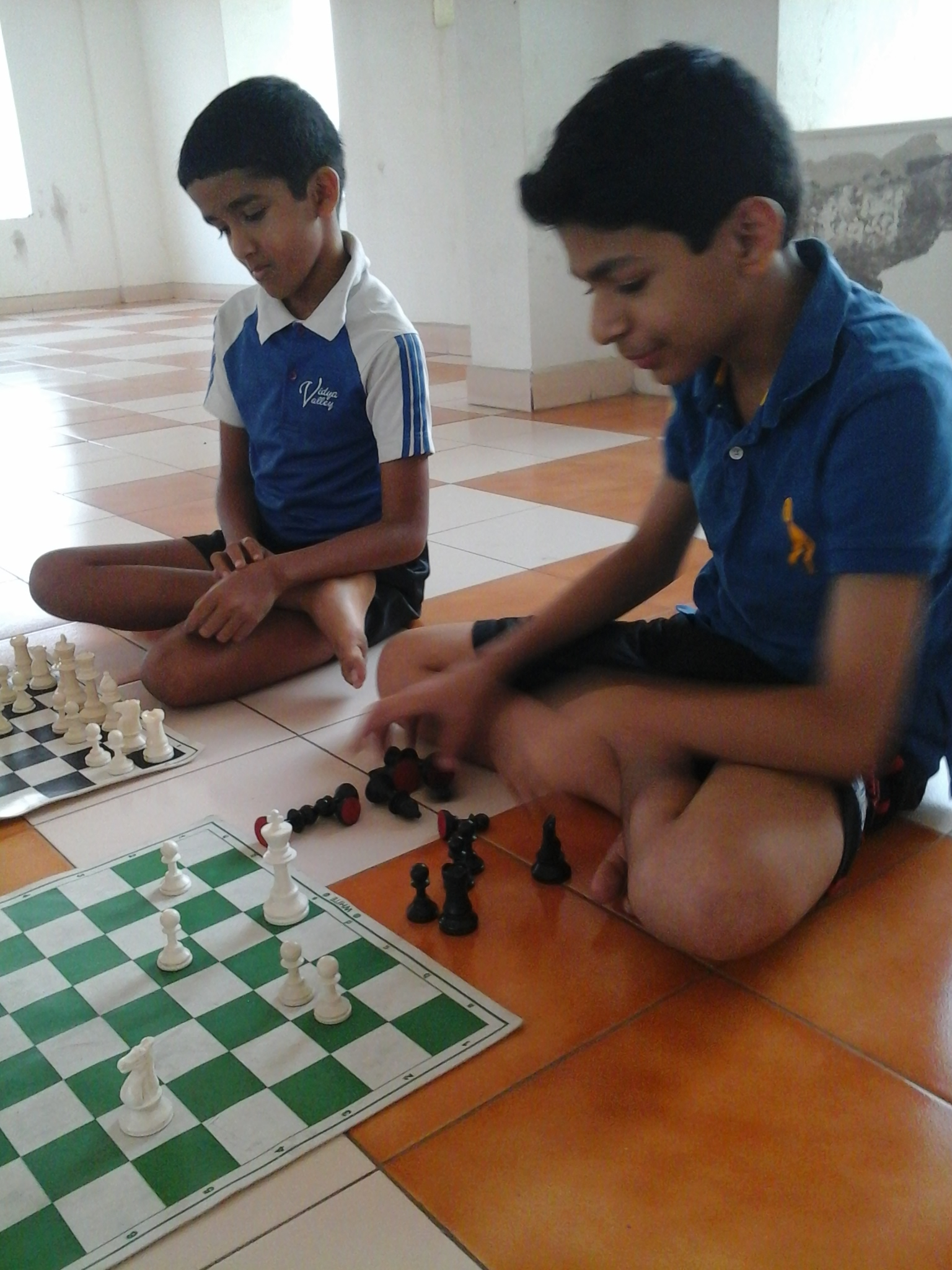 start group chess class in your society or home