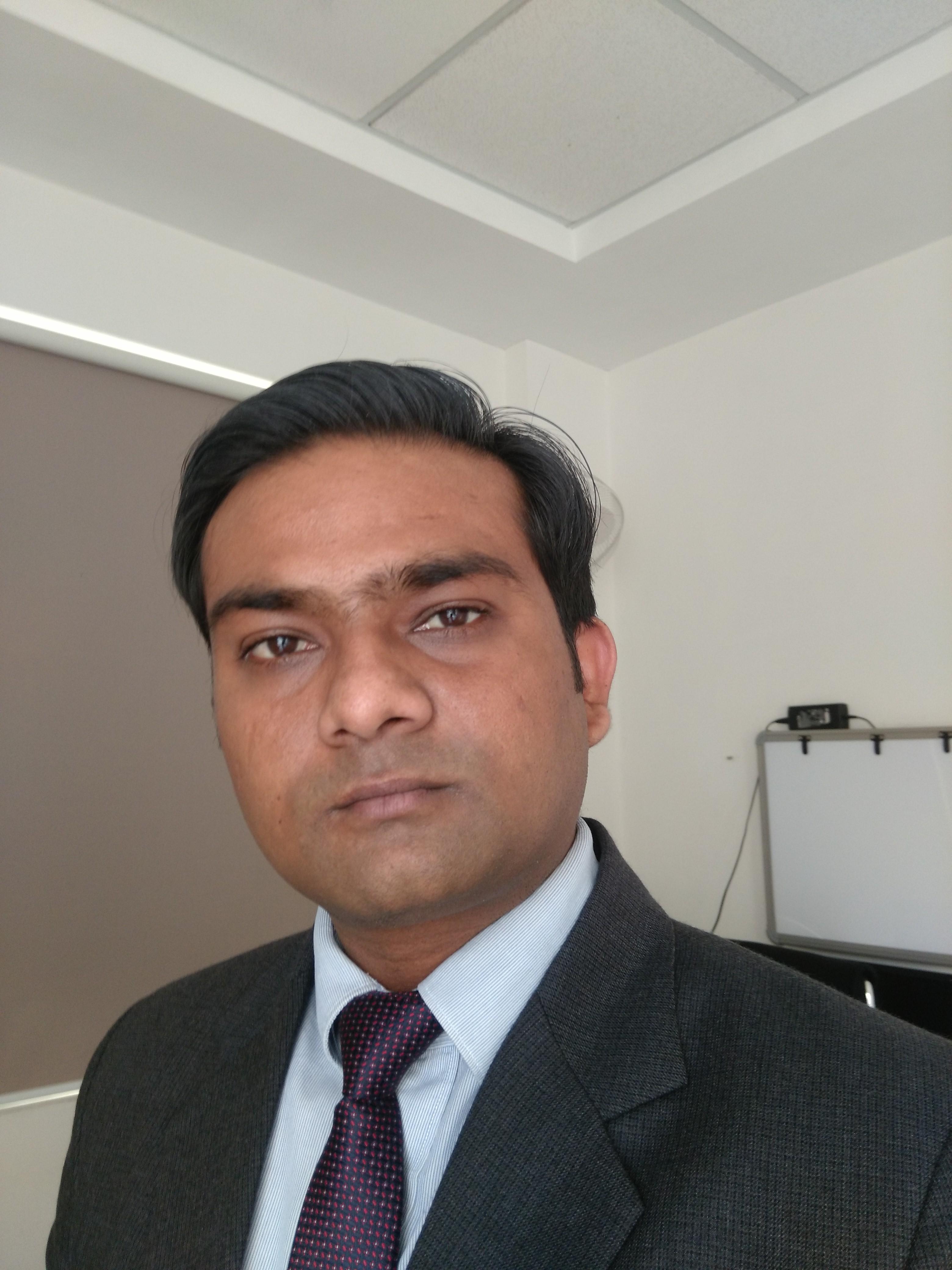 Dr Punit Pratap