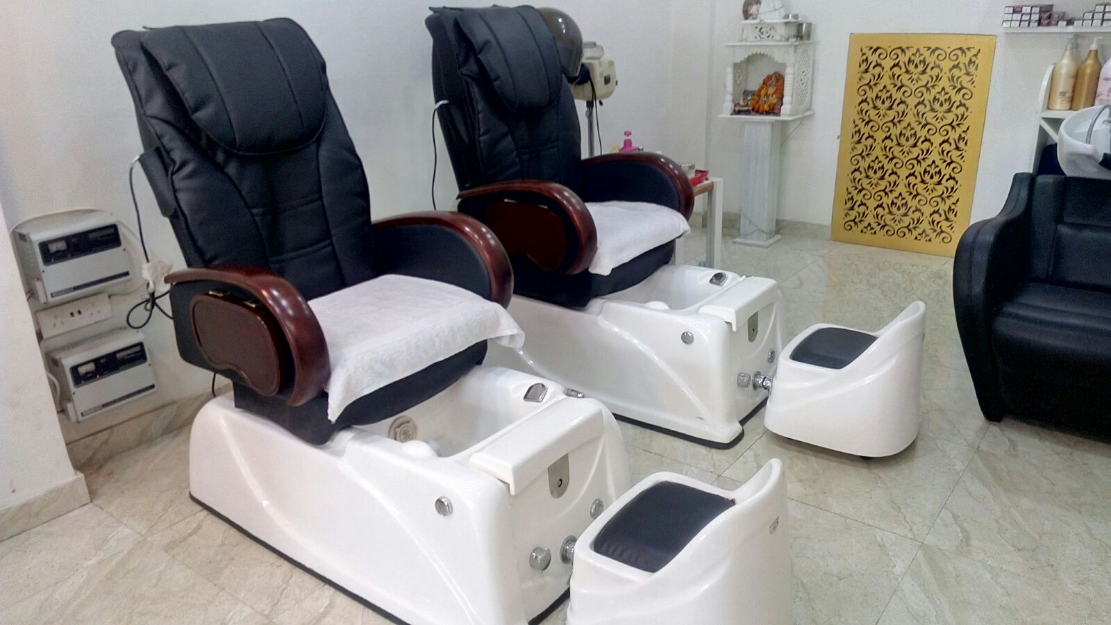 Anjali Beauty Studio & Training Centre