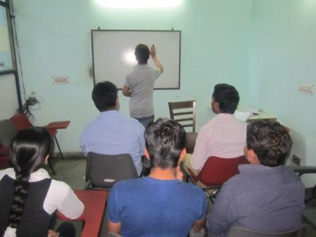 BTech,AMIE,MCA,BCA,MBA,BBA,BCom,BA,BSc Tuition | Noida | 9891500587 | www.cfaacd.com