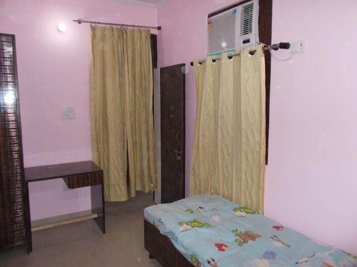 Sarover Girls PG @ 9810010123 @ Girls PG in Mayur Vihar