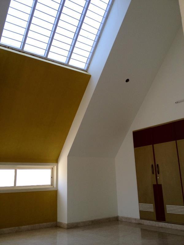 Avant-Garde Creative Architecture